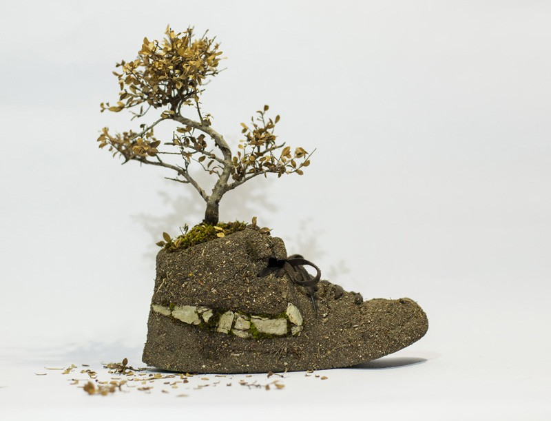 french-artist-combines-sneakers-and-nature10