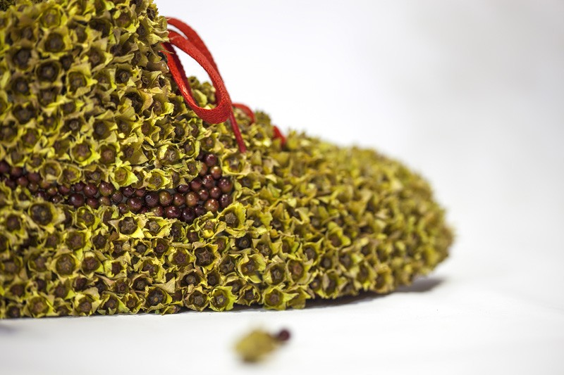 french-artist-combines-sneakers-and-nature13