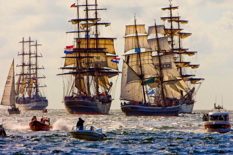 fotografii-s-parada-korabley-v-amsterdame-9