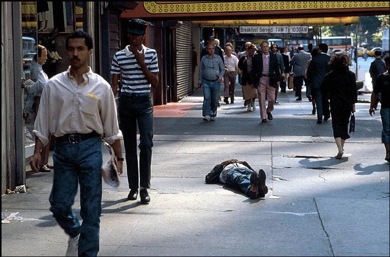 new-york-1985-glazami-italianskogo-fotografa-10