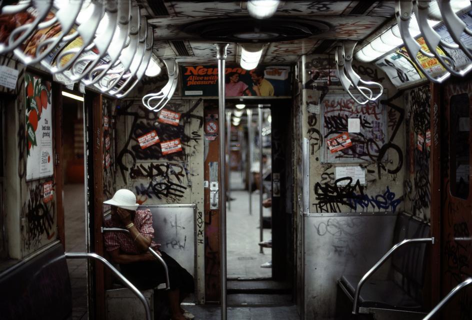new-york-1985-glazami-italianskogo-fotografa-13