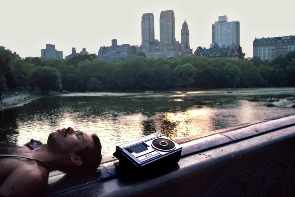 new-york-1985-glazami-italianskogo-fotografa-15
