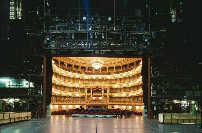 teatralnie-sceny-glazami-akterov-4