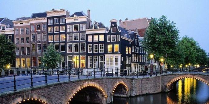 10-samyh-schastlivyh-stran-v-mire-niderlandi