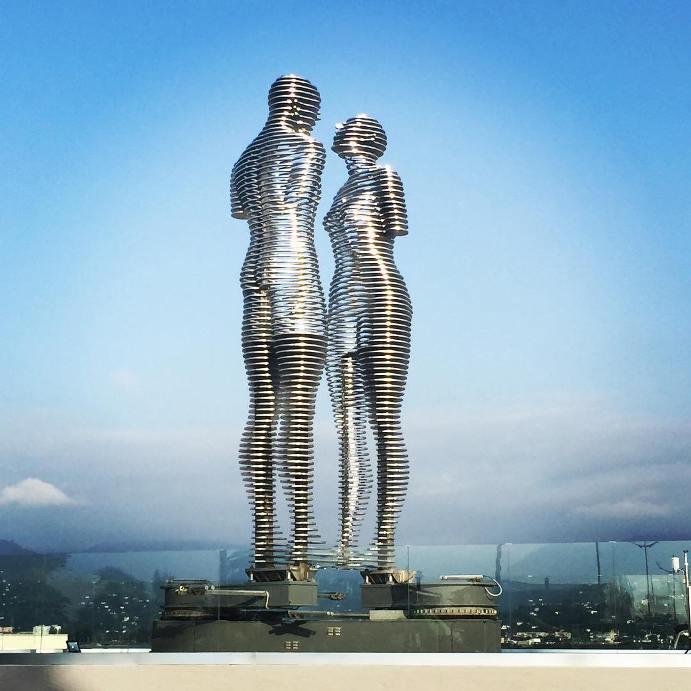 ogromnye-8-metrovye-statui-1