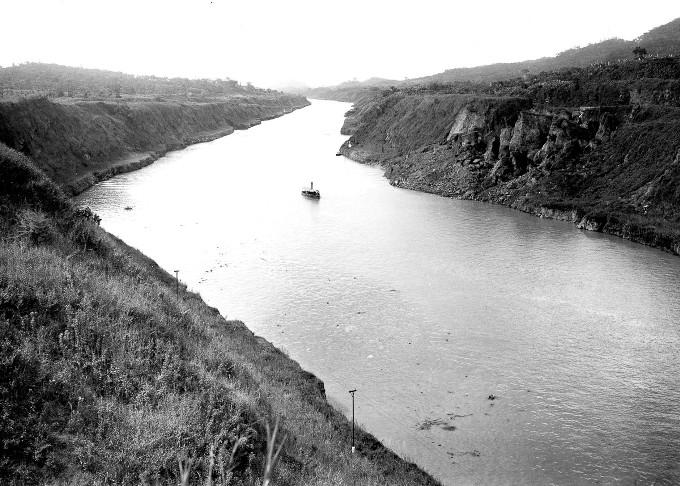 stroitelstvo-legendarnogo-panamskogo-kanala-36
