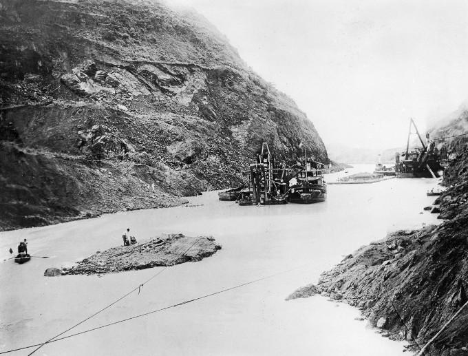 stroitelstvo-legendarnogo-panamskogo-kanala-9