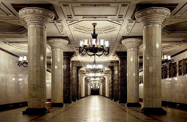 top-10-samyh-krasivyh-stanciy-metro-v-mire-17