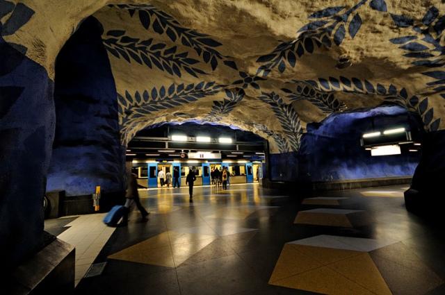 top-10-samyh-krasivyh-stanciy-metro-v-mire-5