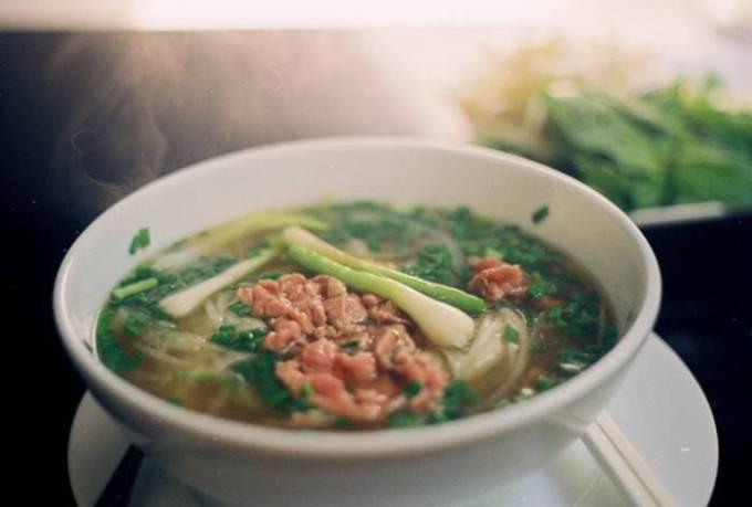 Вьетнам — порция супа фо
