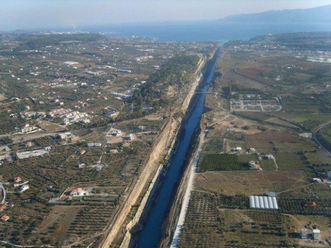 udivitelniy-kanal-raspolozheniy-v-grecii-3