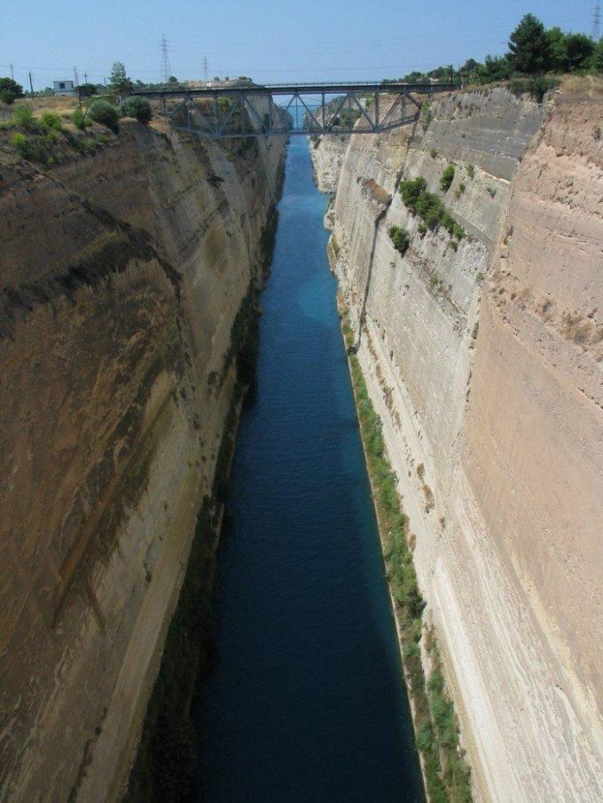 udivitelniy-kanal-raspolozheniy-v-grecii-4