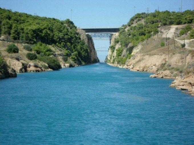 udivitelniy-kanal-raspolozheniy-v-grecii-6