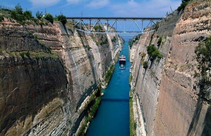 udivitelniy-kanal-raspolozheniy-v-grecii-7