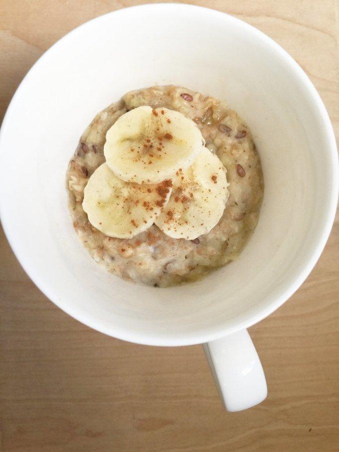 Овсянка с бананом и арахисовым маслом. Заряд бодрости и энергии гарантирован.