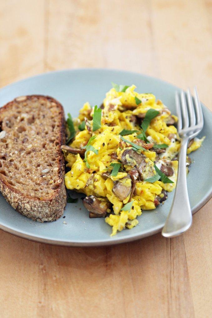 Грибы, запеченные с сыром. Отличное решение для завтрака.