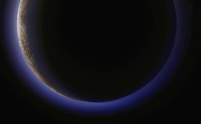 Величественный Плутон. Снимок сделан с аппарата New Horizons в июле 2015 года.