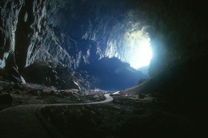 Пещера Deer, Малайзия.