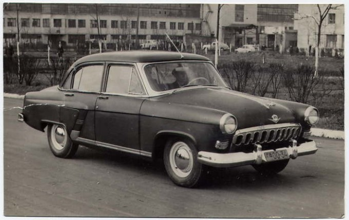 5-sovyetskih-avtomobiley-stavshyh-populyarnimy-na-zapade-2