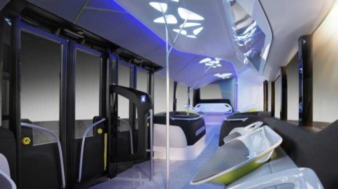 mersedes-pokazal-bespilotnyy-avtobus-budushego-3