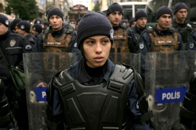 12women-police-turcia