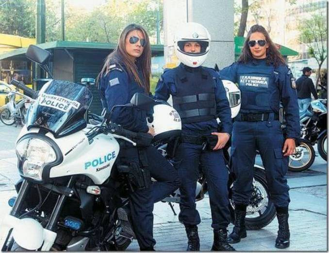 23women-police-chili