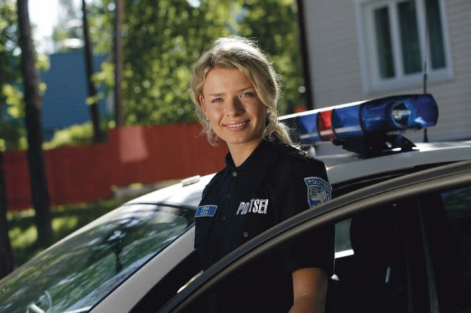 28women-police-estoniya