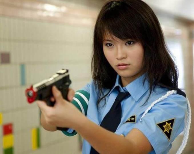 32women-police-singapur