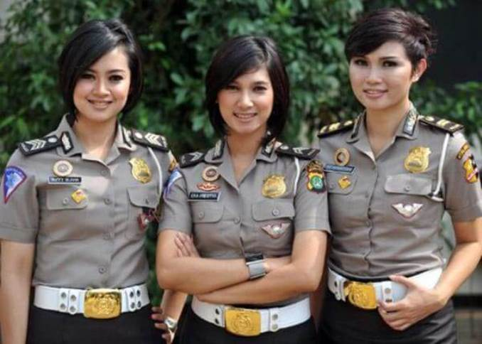 34women-police-indonez