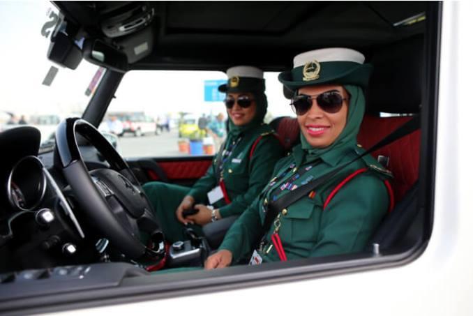 6women-police-oae