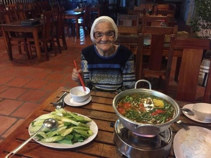 89-letnya-jitelnica-puteshestvuet-po-miru-13