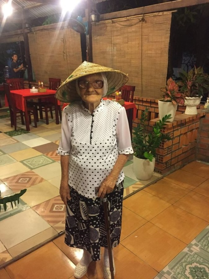 89-letnya-jitelnica-puteshestvuet-po-miru-15