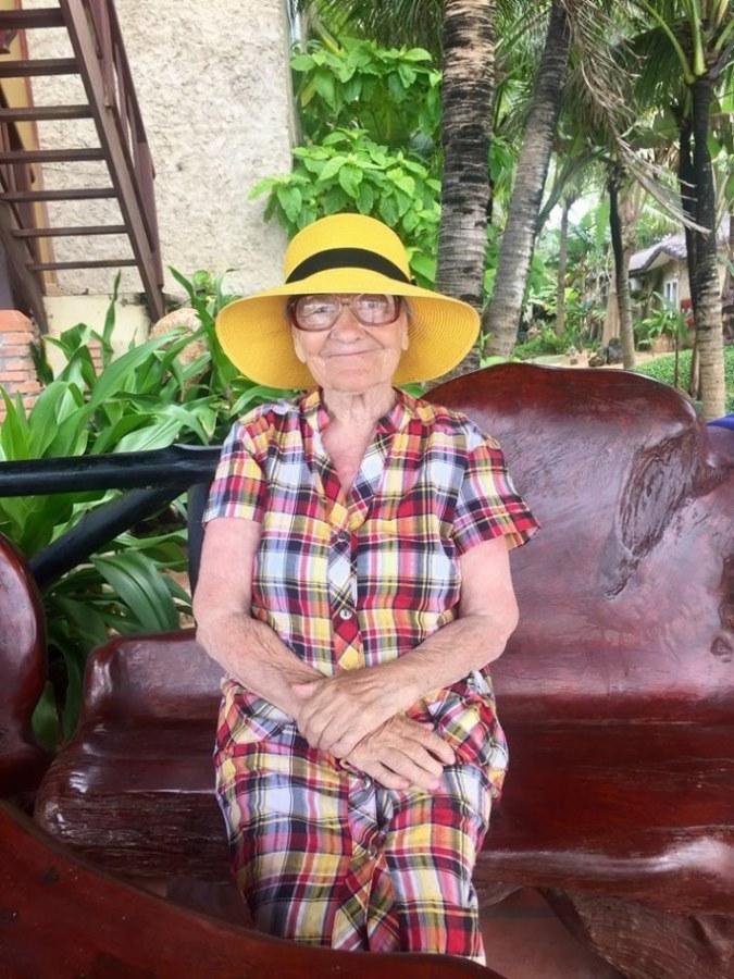 89-letnya-jitelnica-puteshestvuet-po-miru-2