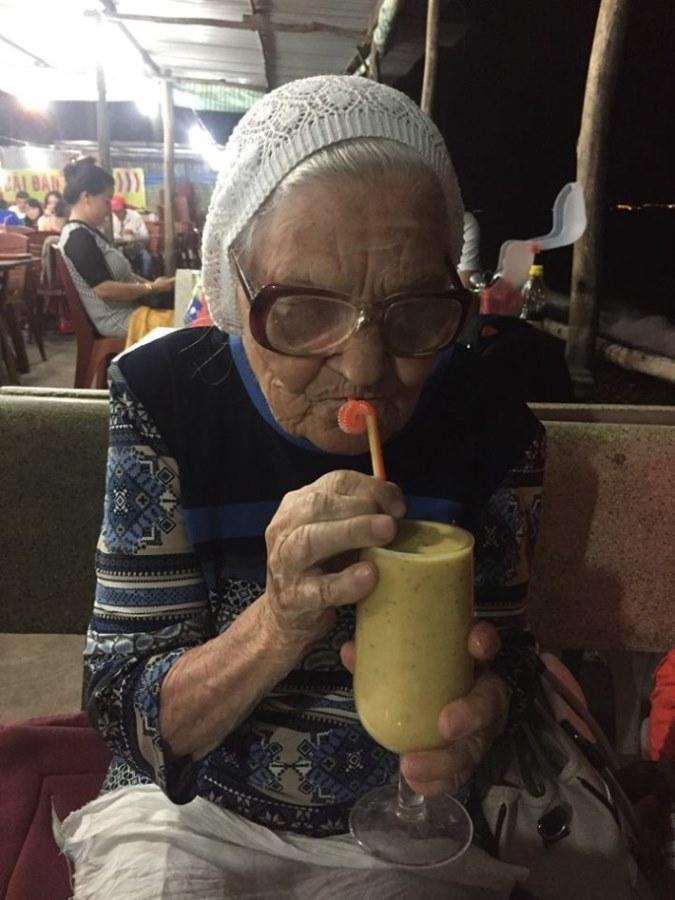 89-letnya-jitelnica-puteshestvuet-po-miru-4