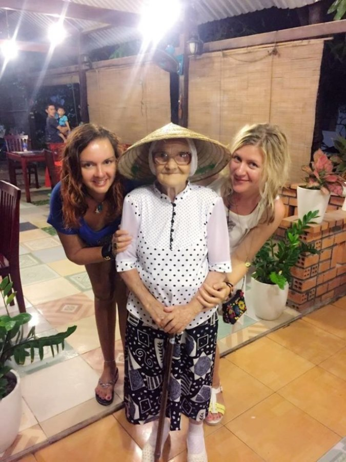 89-letnya-jitelnica-puteshestvuet-po-miru-5