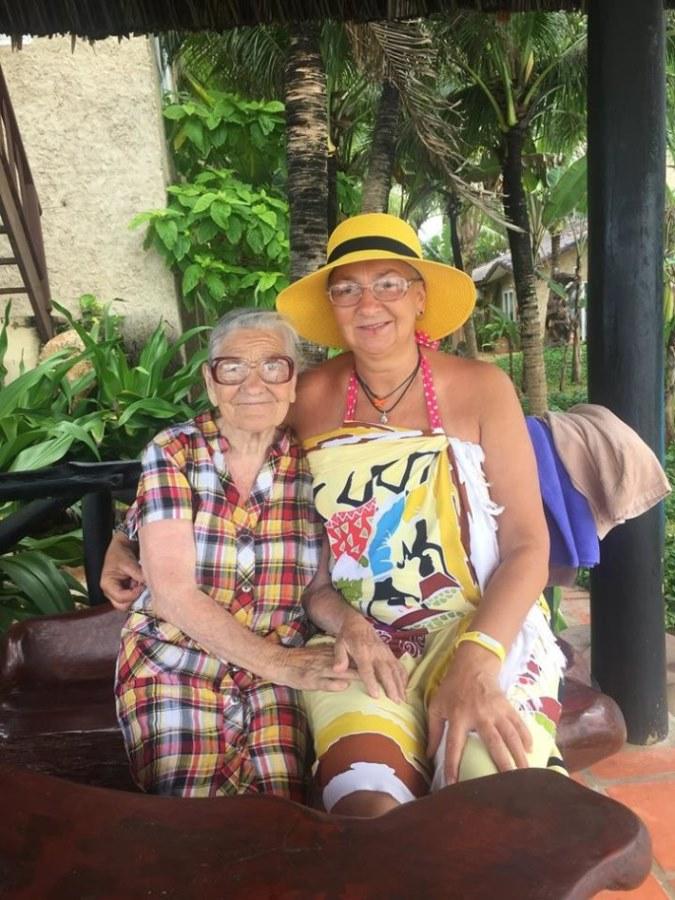 89-letnya-jitelnica-puteshestvuet-po-miru-9