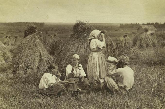 kak-zhyli-krestyanki-konca-19-veka-1