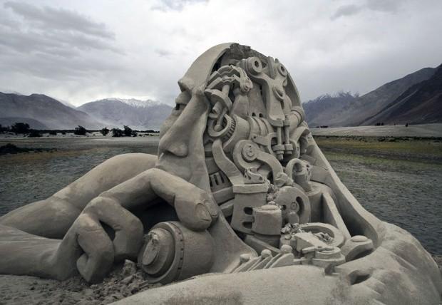 udivitelnye-skulptury-iz-peska-1