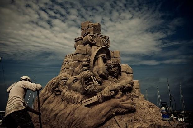 udivitelnye-skulptury-iz-peska-13