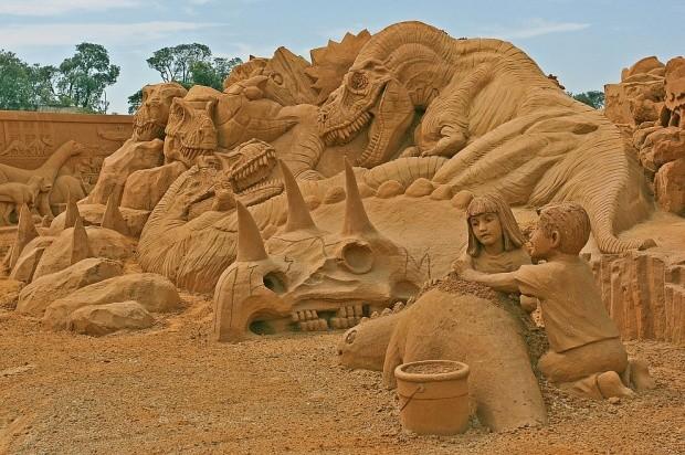 udivitelnye-skulptury-iz-peska-14