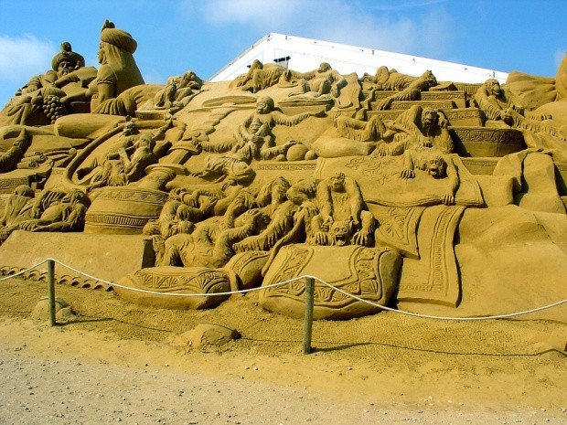 udivitelnye-skulptury-iz-peska-16