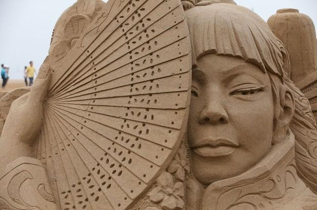 udivitelnye-skulptury-iz-peska-17