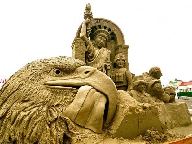 udivitelnye-skulptury-iz-peska-3